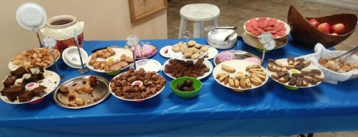 Desserts sampling table